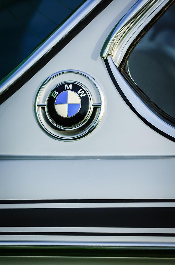 Name:  1973_BMW30_CSL_SideEmblem.jpg Views: 50038 Size:  75.3 KB