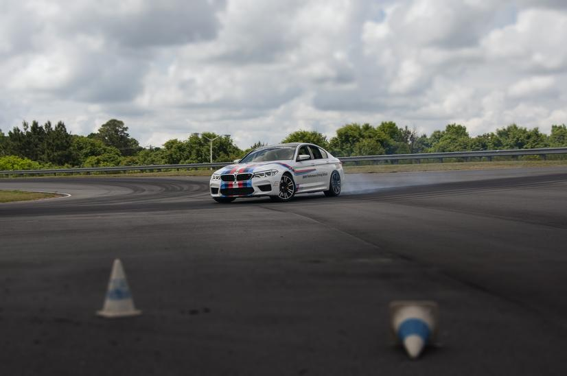 Name:  20_Years_of_BMW_Performance_Center_Driver_Training_and_Experiences_Spartanburg_SC_(8)__mid.jpg Views: 1895 Size:  37.0 KB