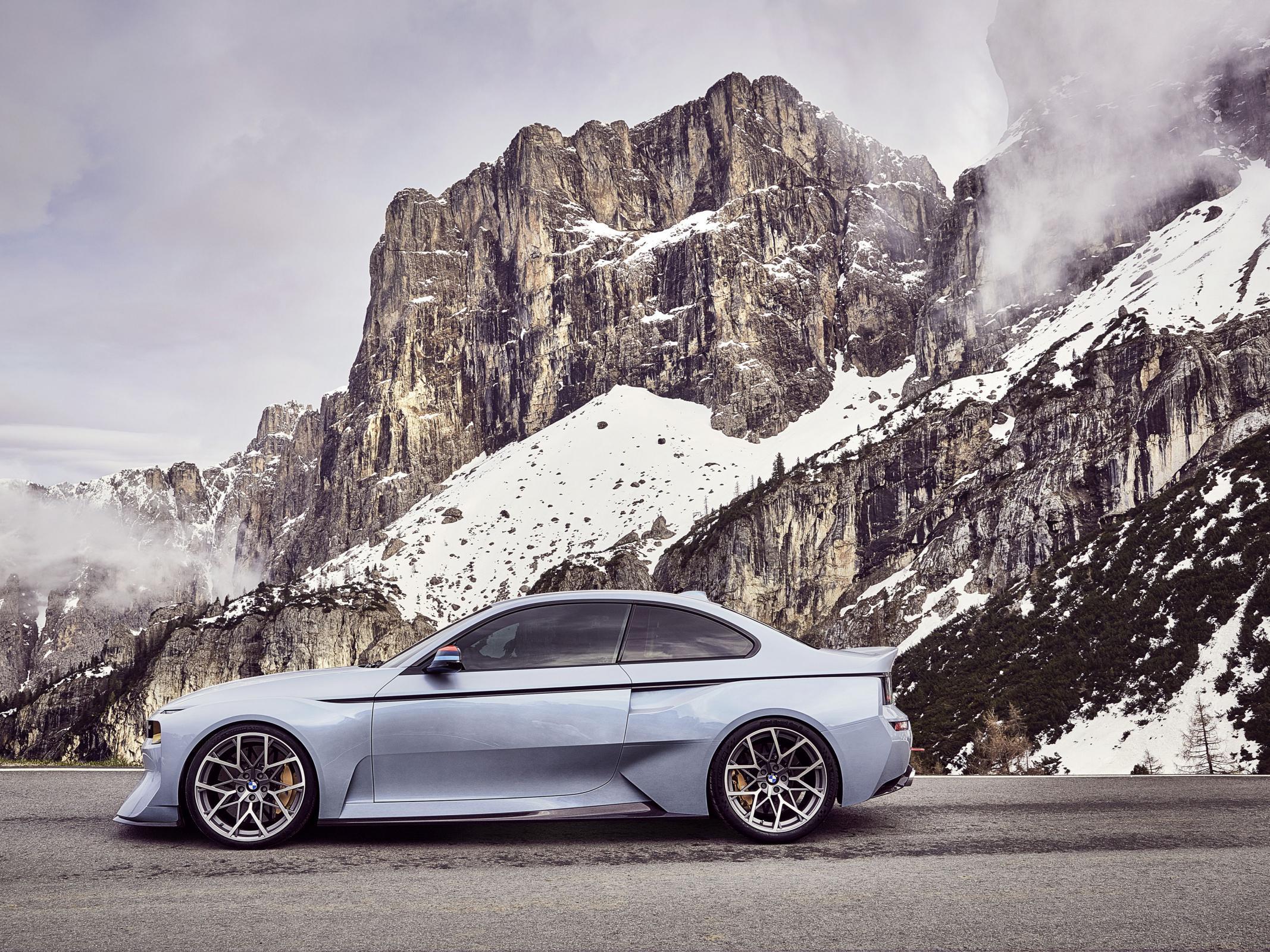 Name:  BMW_2002_Hommage_03.jpg Views: 1413 Size:  770.6 KB