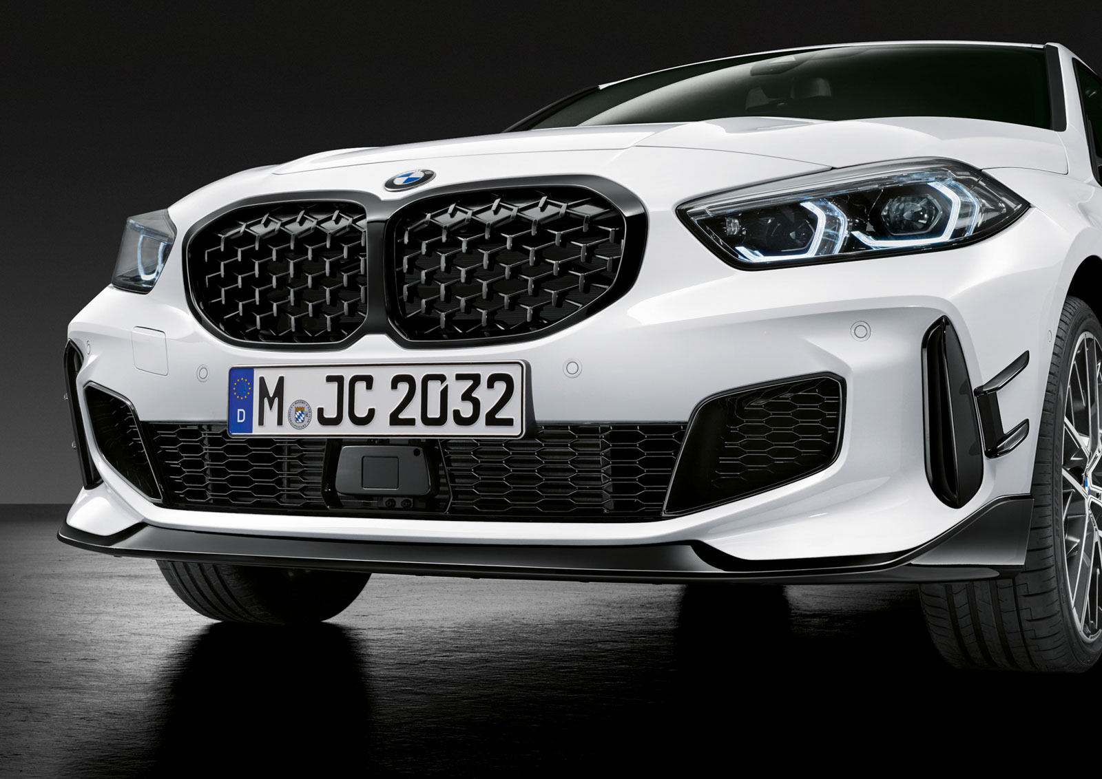 Name:  P90350997_highRes_the-all-new-bmw-1-se.jpg Views: 17628 Size:  279.8 KB