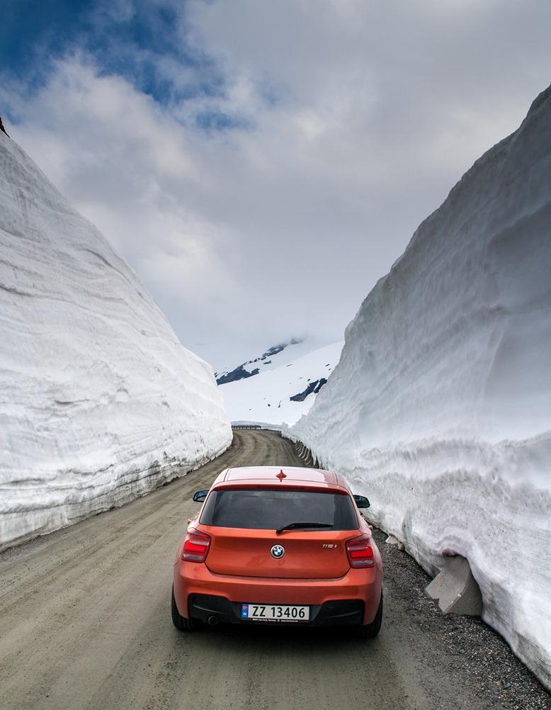 Name:  Snowbanks2s.jpg Views: 570 Size:  178.7 KB