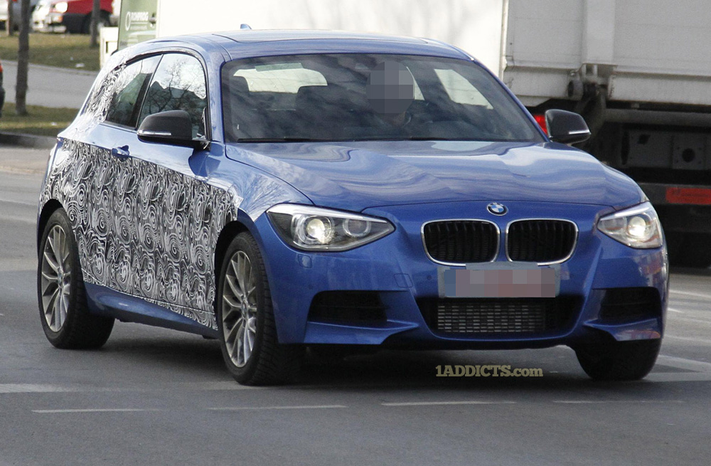 Name:  2 BMW 135i a.jpg Views: 65113 Size:  255.8 KB