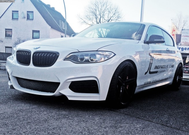 Name:  M135i to M235i front facia    BMW-1er-F20-F21-Front-Umbau-2er-F22-Design-Tuning-Individual-Car-C.jpg