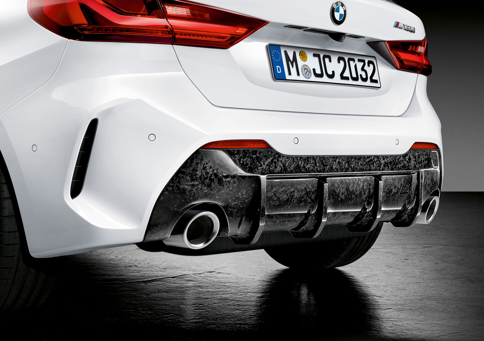 Name:  P90350990_highRes_the-all-new-bmw-1-se.jpg Views: 18242 Size:  304.8 KB