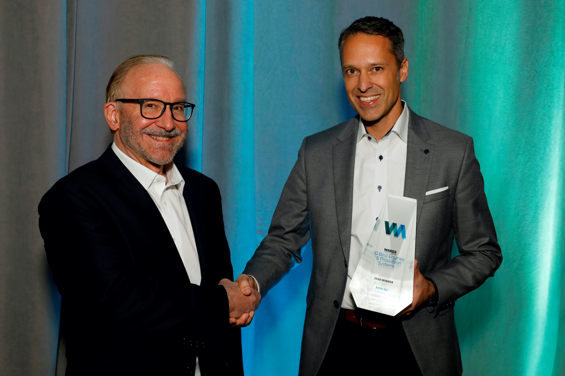 Name:  Ralph_Mahler_Accepting_2020_Wards_10_Best_Engines_and_Powertrain_Award.jpg Views: 11487 Size:  1.99 MB
