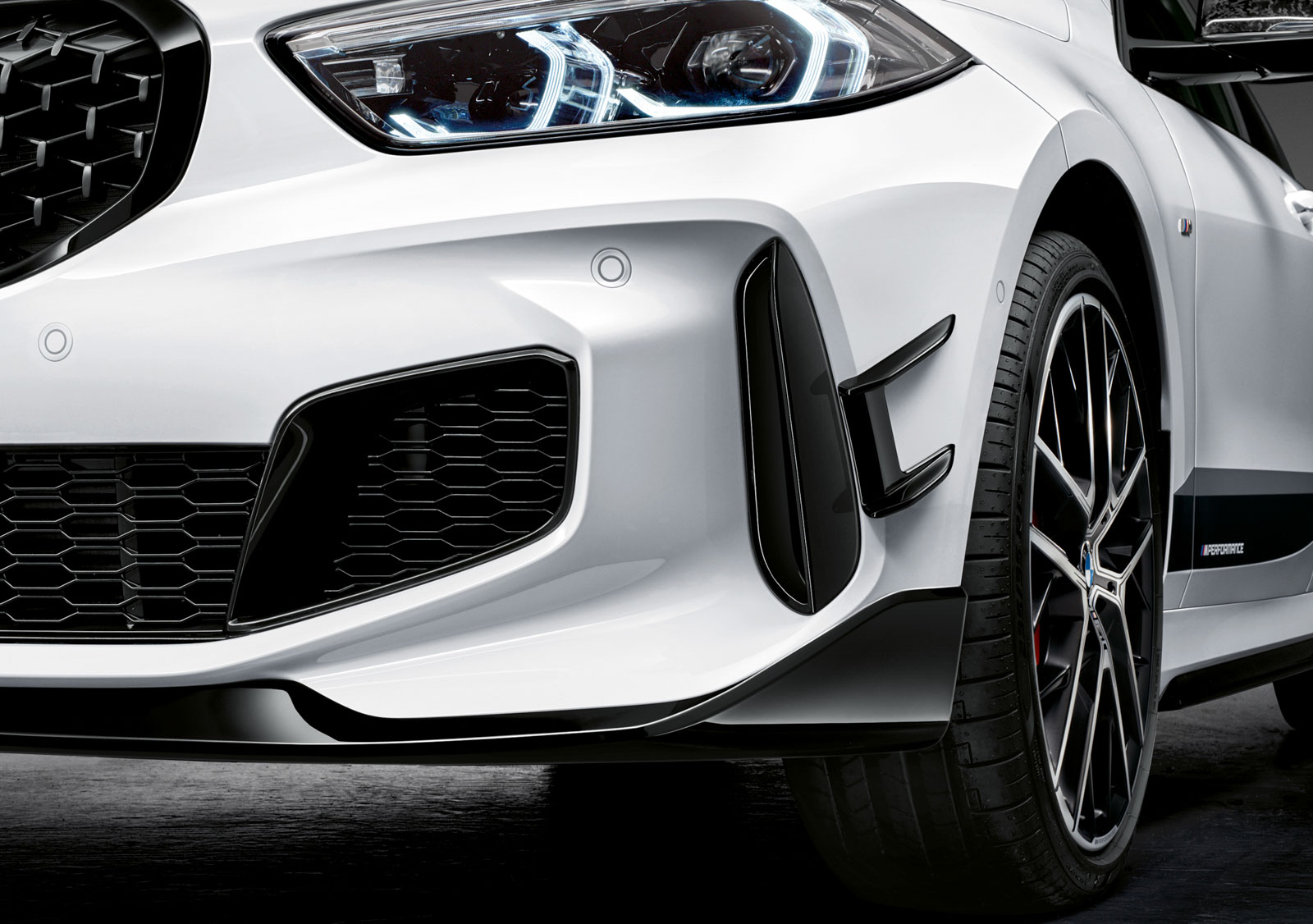 Name:  P90350993_highRes_the-all-new-bmw-1-se.jpg Views: 18051 Size:  275.3 KB