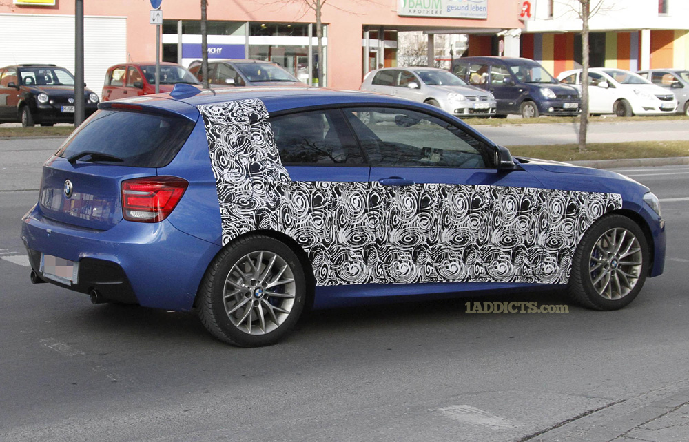 Name:  2 BMW 135i e.jpg Views: 42937 Size:  314.9 KB