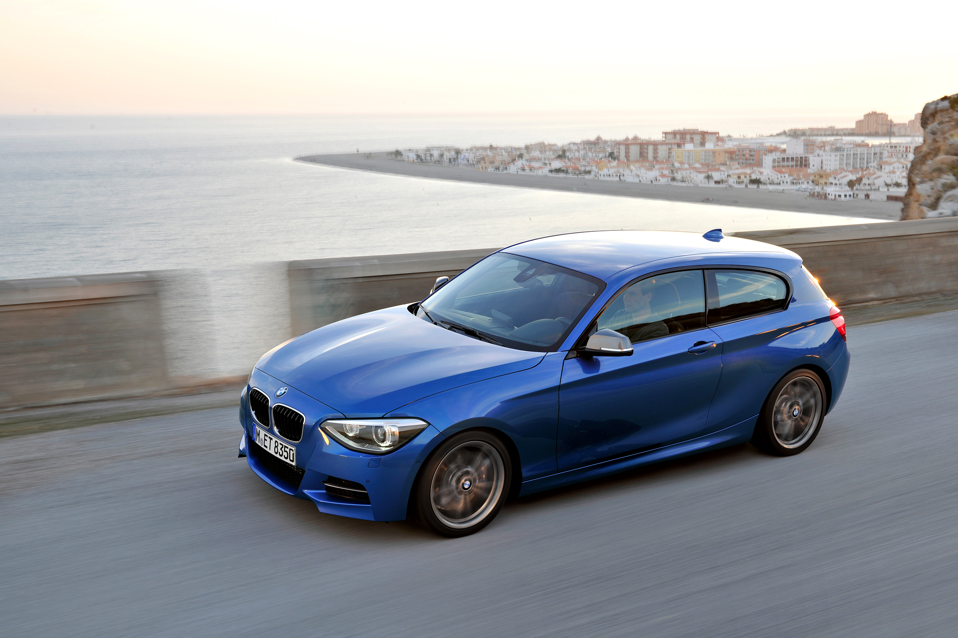 bmw 1 series changes as of 2012 july production. Black Bedroom Furniture Sets. Home Design Ideas